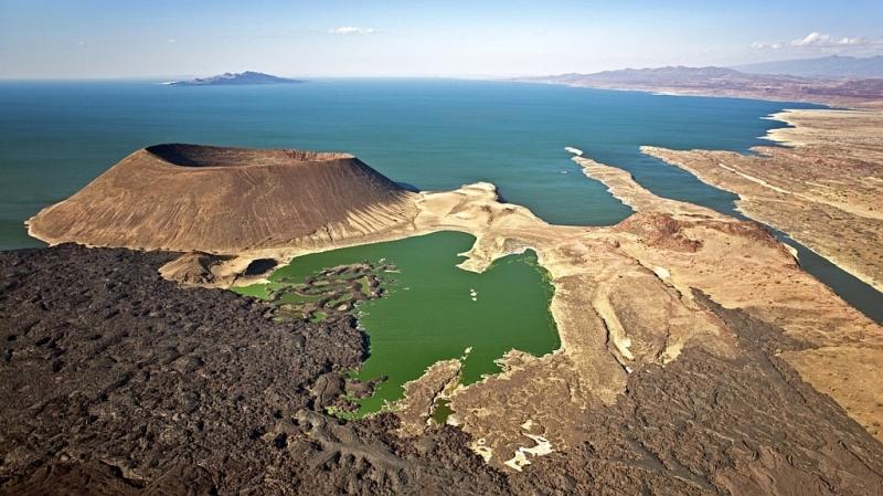 Veduta aerea del lago Turkana