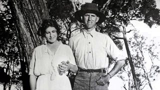 Denys Finch Hatton with Karen Blixen (1922)