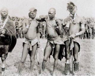 Giovani appartenenti alla tribù Luo