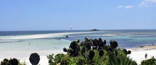 Turtle Bay Watamu-Sullo sfondo Whale Island