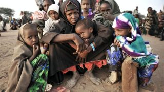 Dadaab. Situato in Kenya, è il più grande campo profughi al mondo, con 300.000 persone